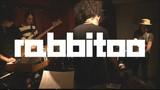 話題のジャズ・バンドrabbitooがYouTubeチャンネル開設、ドローン取り込んだ新曲のライヴ映像公開