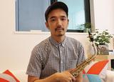 ヒップホップ・アーティストが生真面目に見えるほど刺激的―サックス奏者・大石将紀、ヤコブTVのブームボックス作品に挑む