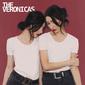 THE VERONICAS 『The Veronicas』 ビリー・コーガンも制作に関与、豪の双子ユニットによる7年ぶり復活作