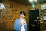 シャムキャッツ菅原が代官山蔦屋書店にてカレーフェアを開催! ソロバンドでのライヴやDJも