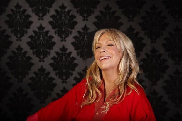 リッキー・リー・ジョーンズ、最新インタヴュー 来日公演&新作『Kicks』への想いを語る