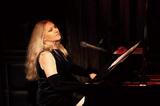 イリアーヌ・イリアス『Music From Man Of La Mancha』 作曲者直々の依頼でアレンジした今作に聴くピアニストとしての才能