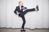 踊ろよイェンス・レークマンと―スウェーデン発ポップの天才が来日! 魔法仕掛けな名曲の数々とキャリアをプレイバック
