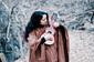 イルマ・オスノ『タキ アヤクーチョ』 ペルー高地の暮らしに生きる歌を、ケチュア語とユニークな音で紡ぐ人