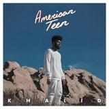 カリッド 『American Teen』 サンファとマリ・ミュージックの中間いく若きシンガー、ポップかつダウナーな雰囲気がイマっぽい初作