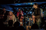 ホットハウス・フラワーズ『レッツ・ドゥ・ディス・シング』 アイルランドが誇る魂のロックバンド、17年ぶりに奇跡の来日