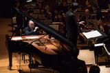 神奈川県立音楽堂〈ミュージック・クロスロード〉レポート! 一柳慧が音楽を、白井晃が空間を演出 音と空間と観客がクロスする
