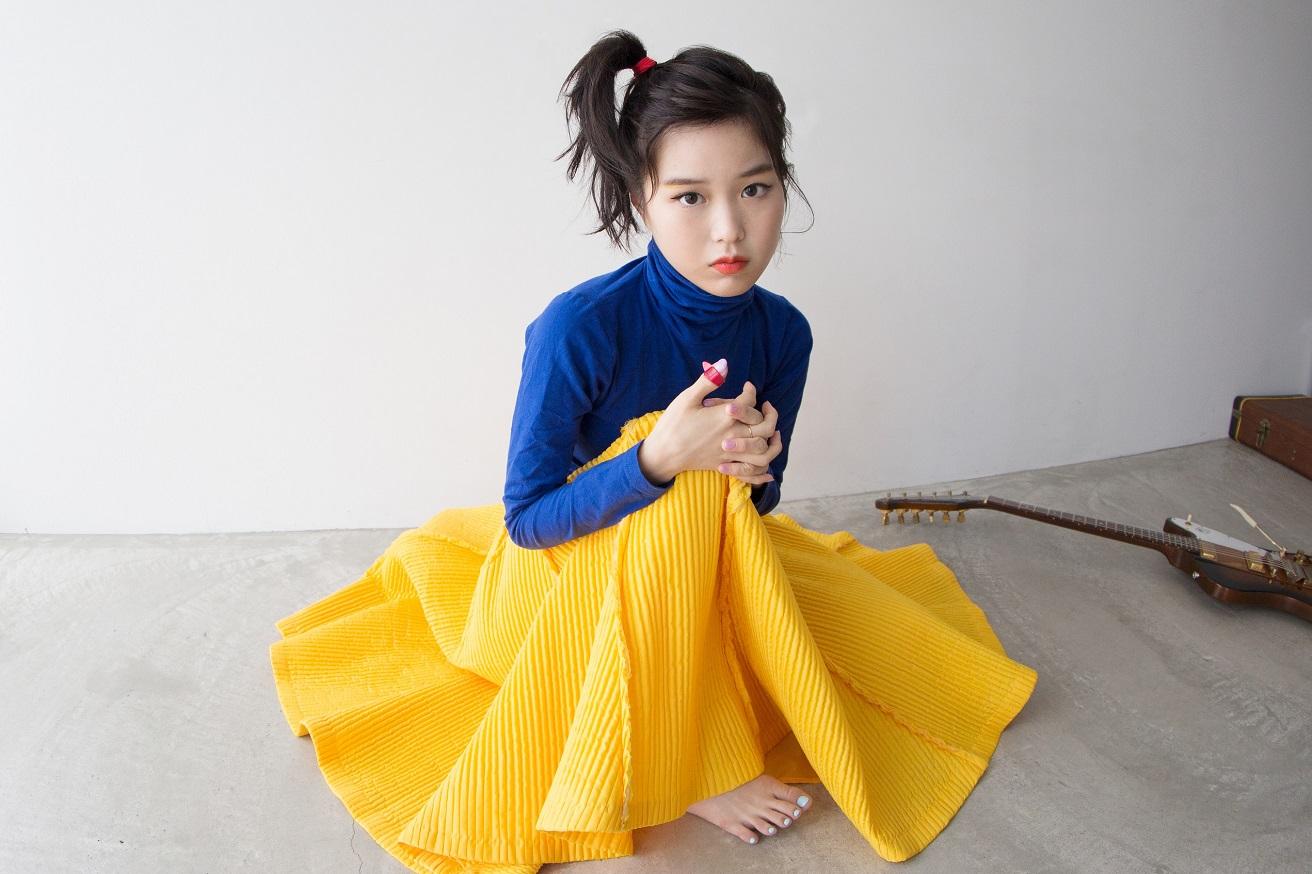 "Reiが弾き語りツアー〈Rei Acoustic Tour ""Mahogany Girl"" 2021〉を7月に開催"