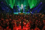 西本智実×高見沢俊彦が伝統と革新を具現化、ロックとオーケストラが見事なコラボ見せたコンサートの模様をレポート