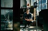 〈第2のジャスティン〉との呼び声高いショーン・メンデス、自身のギターと歌に前向きな人生観込めた新作『Illuminate』を語る