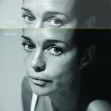 ケイト・フェナー 『Middle Voice』 ノラ・ジョーンズやビル・フリゼールら参加、クールなジャズ感覚が薫るソロ作
