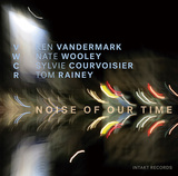 ケン・ヴァンダーマーク 『NOISE OF OUR TIME』 ベースレスのアンサブルの魅力はジャズ