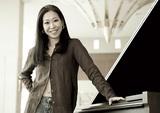 ポスト・クラシカル中心のピアニスト・矢沢朋子、ヨハン・ヨハンソン書き下ろし曲やレディヘのカヴァーなど並ぶ新作に迫る