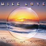 マイク・ラヴ 『12 Sides Of Summer』 ハンソンとの共作やラモーンズなどのカヴァー、ビーチ・ボーイズのリメイクを収録