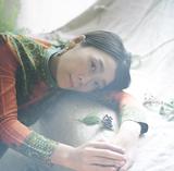 """見汐麻衣 with Goodfellasが初作品となる7インチ・シングルをリリース VIDEOTAPEMUSICの名曲""""August mood""""をカヴァー"""