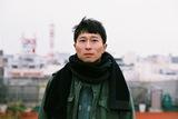 KONCOS佐藤寛ソロ・インタヴュー―初めて明かす、音楽への情熱とカウンターである誇り