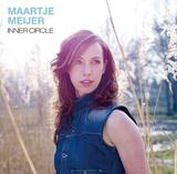 マルティエ・マイヤー、夫ジェシ・ヴァン・ルーラーのプロデュースによる新作は自身のピアノなど交えたジャジーなサウンド