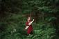 マリ・カルクン『ILMAMÕTSAN(森の世界の中で)』 現代の感覚で古い伝統を伝えるアーティスト