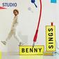 ベニー・シングス 『Studio』 日本盤にはceroとのコラボ曲も、80sっぽい電子音多用したメロウ・ポップ鳴らす5作目