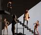 シルク・ド・ソレイユ〈OVO〉も担当したブラジルの気鋭振付家、デボラ・コルカー率いるダンス集団の最新作が日本初上陸