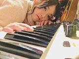 天才的ピアニスト/ドラマー武田理沙、前作の衝撃から1年でセカンド・アルバム『Metéôros』をリリース