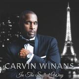 カーヴィン・ワイナンズ 『In The Softest Way』 柔和かつ情熱的なテナー・ヴォイスと、それを存分に活かす上質な楽曲