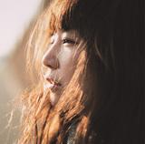 YUKI 『まばたき』 メロディアスなバンド・サウンドを中心に、ポップ・シンガーとしての資質を発揮したソロ8作目