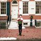 バーグラリー・イヤーズ 『100 Roses』 ボストンの4人組、スミス的ギター・リフにドリーム・ポップ的エフェクトも魅せる初作
