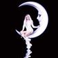 ハンナ・ダイアモンド(Hannah Diamond)『Reflections』PCミュージック発、メタリックでドリーミーなシンセがキャッチ―