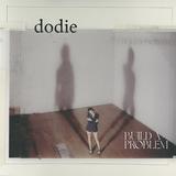 ドディー(Dodie)『Build a Problem』聴き手のそばにそっと寄り添う上質なインディー・フォーク