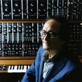 冨田勲が2枚のアルバムを同時発売! 〈ファンタジア〉から〈みんなの世界〉まで取り囲むトミタ・サウンドの壮大な宇宙