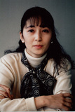 演劇中心に幅広く活動した如月小春、坂本龍一ら参加した自身唯一のアルバム『都会の生活』を通じてその軌跡に触れる