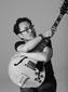 YOUR SONG IS GOODの吉澤成友、XTALと〈meets〉して作り上げたバレアリックで音響的なギター・インスト作『Guitar Esquisse Volume One』を語る