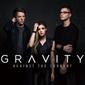 アゲインスト・ザ・カレント 『Gravity』 ワンオクTAKA参加した男女3人組のプレ・デビュー盤はポスト・パラモア思わせる仕上がり