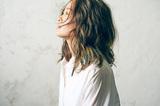 NakamuraEmiの歌に息づく人生―ヒップホップから得たリアリズムが特別なドラマ生み出した新アルバムを語る
